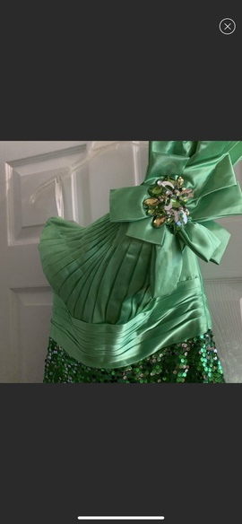 Tony Bowls Green Size 10 Romper/Jumpsuit Dress on Queenly