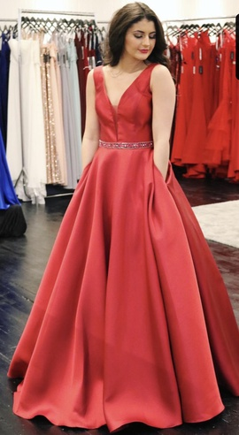Red Size 18 Ball gown on Queenly