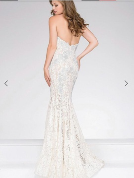 Jovani White Size 2 Strapless Lace Mermaid Dress on Queenly