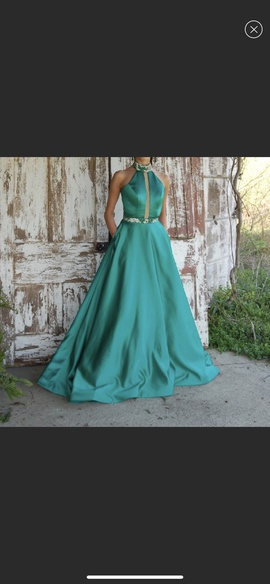 Queenly size 0 Sherri Hill Green Ball gown evening gown/formal dress