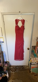 Red Size 6 Straight Dress on Queenly