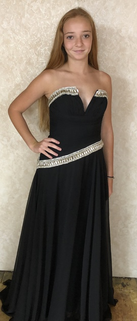 Queenly size 6 Mac Duggal Black A-line evening gown/formal dress