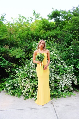 Queenly size 0 Faviana Yellow Straight evening gown/formal dress