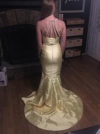 Sherri Hill Yellow Size 0 Train Mermaid Dress on Queenly