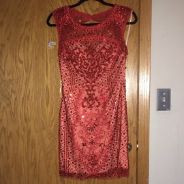 Red Size 6 Cocktail Dress on Queenly