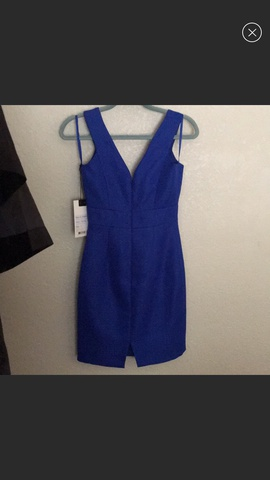 Mac Duggal Royal Blue Size 2 V Neck Cocktail Dress on Queenly