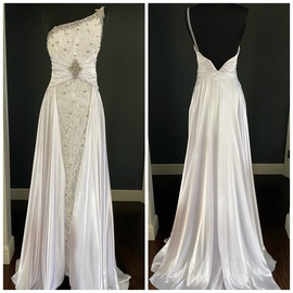 Queenly size 0 Tony Bowls White Train evening gown/formal dress