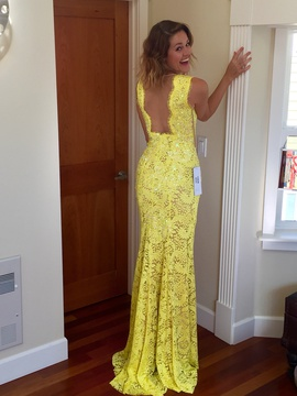Jovani Yellow Size 4 Backless Lace Sequin Straight Dress on Queenly
