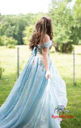 Sherri Hill Blue Size 8 Train Dress on Queenly