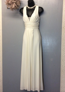 Queenly size 8 Jessica Howard White Straight evening gown/formal dress