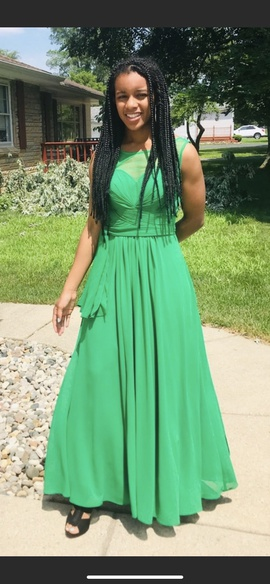 Formal dress shop Green Size 4 Tulle Lace Ball gown on Queenly