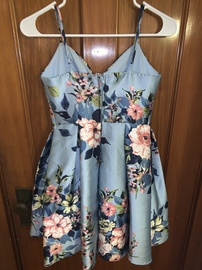 Teeze Me Blue Size 2 Homecoming Floral Cocktail Dress on Queenly