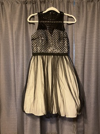minuet Silver Size 4 Halter Cocktail Dress on Queenly