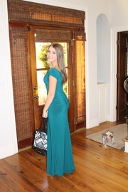 Queenly size 4  Green Side slit evening gown/formal dress