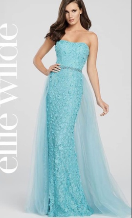 Ellie Wilde Blue Size 8 Train Dress on Queenly