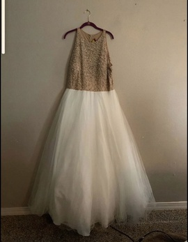 Davids Bridal Nude Size 20 Homecoming Plus Size Ball gown on Queenly