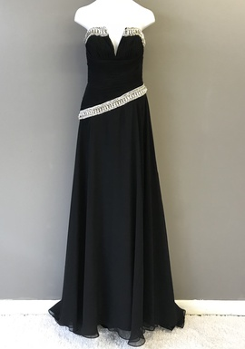 Queenly size 6 Jovani Black A-line evening gown/formal dress