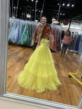 Queenly size 00  Yellow Ball gown evening gown/formal dress