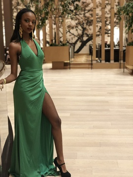 Queenly size 2  Green Side slit evening gown/formal dress