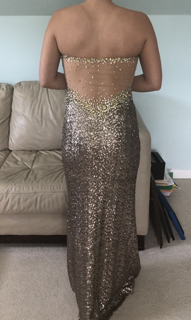 La Femme Gold Size 6 Straight Dress on Queenly