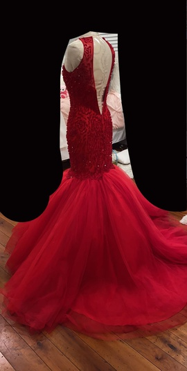 Sherri Hill Red Size 0 Tulle Mermaid Dress on Queenly
