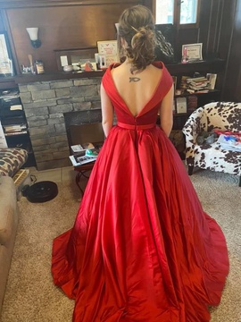 Jovani Red Size 6 Pageant Ball gown on Queenly