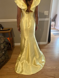 Sherri Hill Yellow Size 8 Plunge Ruffles Bridesmaid Straight Dress on Queenly