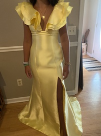 Queenly size 8 Sherri Hill Yellow Straight evening gown/formal dress