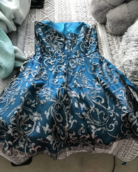 Masquerade Blue Size 6 Homecoming Sequin Cocktail Dress on Queenly