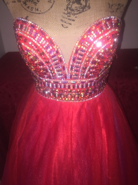 Red Size 2 Ball gown on Queenly