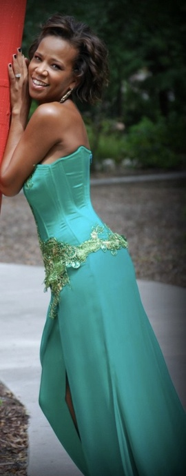 Juan Carlos Green Size 2 Sweetheart Side slit Dress on Queenly
