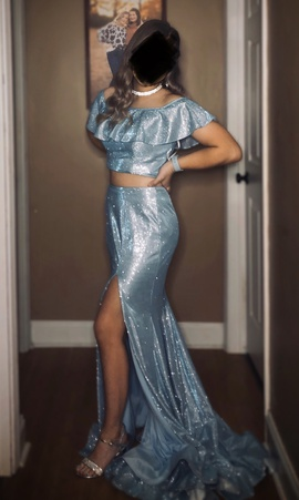 Ellie Wilde Blue Size 4 Two Piece Prom Side slit Dress on Queenly