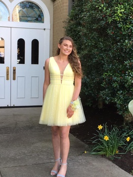 Queenly size 6 Sherri Hill Yellow Cocktail evening gown/formal dress