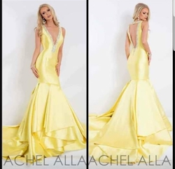 Queenly size 2 Rachel Allan Yellow Mermaid evening gown/formal dress