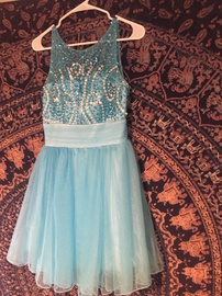Queenly size 4  Blue Cocktail evening gown/formal dress