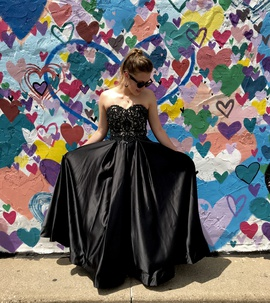 Black Size 00 Ball gown on Queenly
