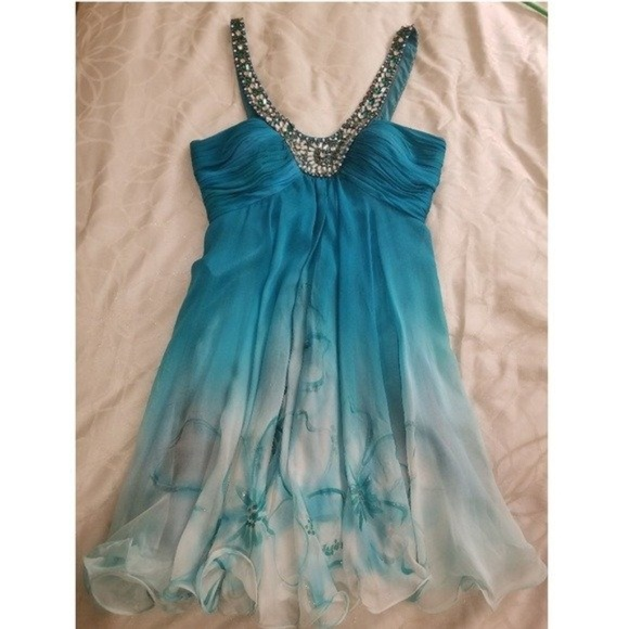 Sherri Hill Blue Size 4 Ombre Homecoming Cocktail Dress on Queenly