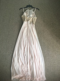 Xscape Nude Size 4 Prom Ball gown on Queenly