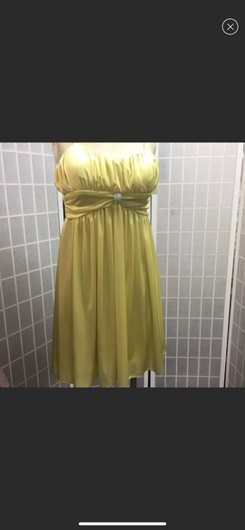 Queenly size 12 Morgan & Co Yellow Cocktail evening gown/formal dress