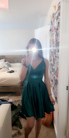 Sherri Hill Green Size 4 Homecoming A-line Dress on Queenly
