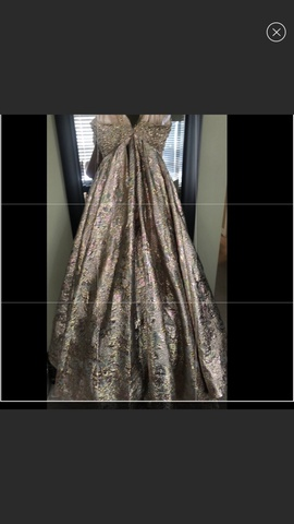 Mac Duggal Gold Size 8 Prom Plunge A-line Dress on Queenly