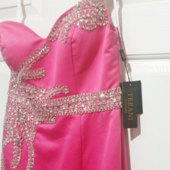 Terani Couture Pink Size 6 One Shoulder Ball gown on Queenly