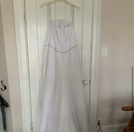 Alfred Angelo White Size 10 Wedding Train Dress on Queenly