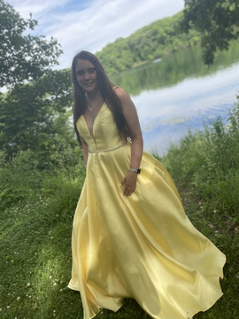 Madison James Yellow Size 16 Prom Backless Plunge Ball gown on Queenly