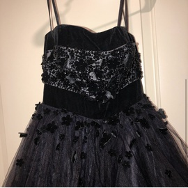 Mac Duggal Black Size 2 Prom Ruffles Ball gown on Queenly