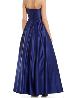 Blondie Nites Blue Size 0 Prom Ball gown on Queenly