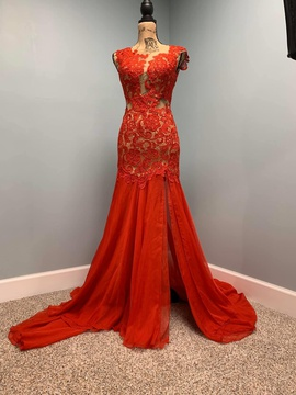 Mac Duggal Red Size 2 Train Lace Mermaid Dress on Queenly