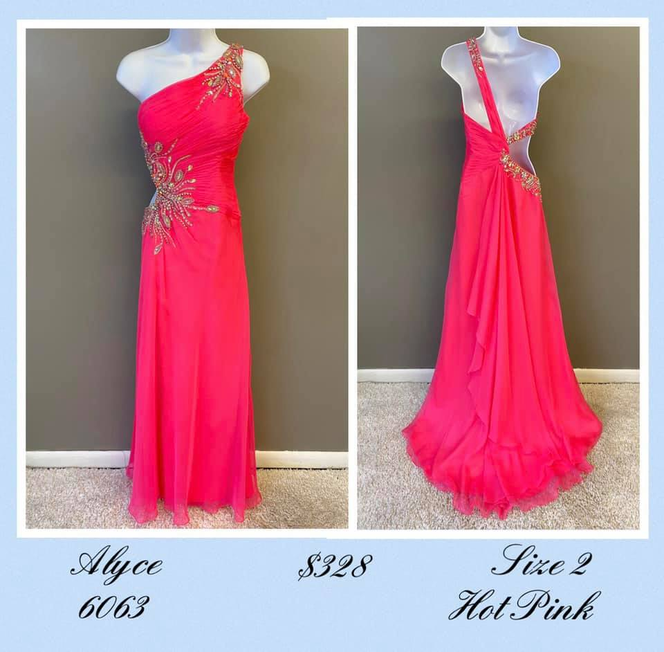 Queenly size 2 Alyce Paris Pink A-line evening gown/formal dress
