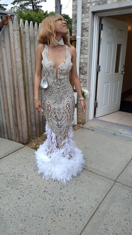 Queenly size 4  Nude Straight evening gown/formal dress