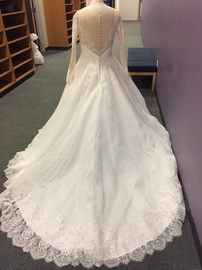 Allure White Size 18 Train Lace Ball gown on Queenly